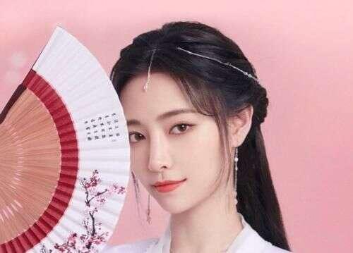 爱奇艺将出新作,许佳琪出演励志女主,搭档《泡沫之夏》里的他