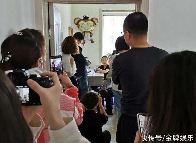 拒绝了上千万签约费之后,网红钟美美首度接受采访!我想去当演员