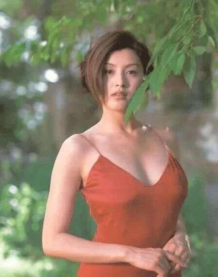 """她是""""日本第一美女"""",曾把郭富城迷得""""神魂颠倒"""",现在胖成谢大脚"""