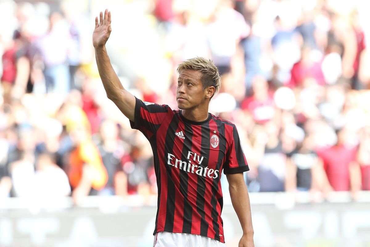 本田圭佑:當年米蘭沒錢買頂級球員,這給了我穿10號的機會