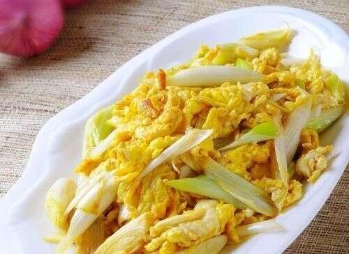 大蔥和此物一起炒,不僅下飯,還能排出體內垃圾毒素,殺菌防感冒